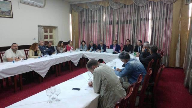 Kadriu: Roli i AAK-së në qeverisjen komunale, vendimmarrës dhe praktikë