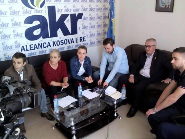 Salihu (AKR): Është momenti i fundit t'i largojmë nga pushteti kapësit e shtetit