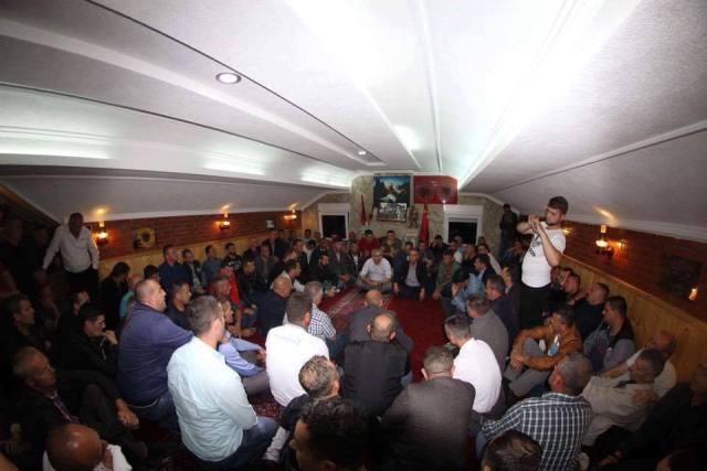 Bajram Hasani merr përkrahje nga ish-luftëtarët e UÇPMB-së