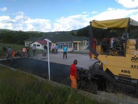 Fshati i Ri bëhet me fushë sportive