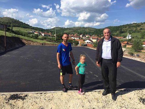 Fshatrat Devajë dhe Terpezë bëhen me fushë sportive