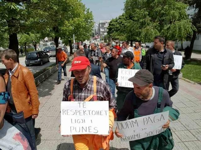 Prokuroria n'Shëngjin – Gjykata n'Budva – Komuna n'Durrës – punëtorët n'rrugë!