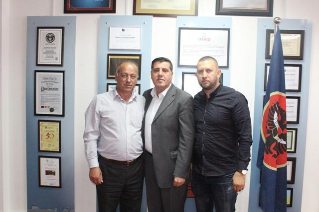 Haziri merr konfirmimin e donatorëve për ndërtimin e një shtëpie në Gjilan