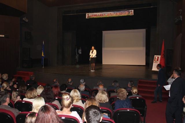 """Nxënësit e shkollës """"Zija Shemsiu"""" duhet të jenë krenarë që çdo ditë e shkruajnë emrin e këtij kolosi"""