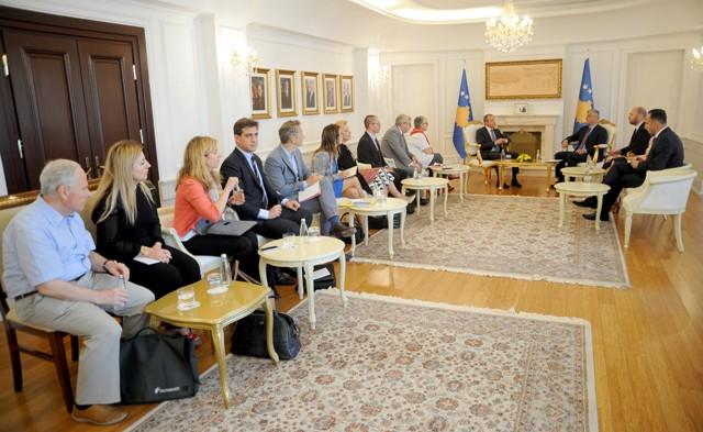 Presidenti Thaçi priti vëzhguesit nga Parlamenti Europian për zgjedhjet në Kosovë