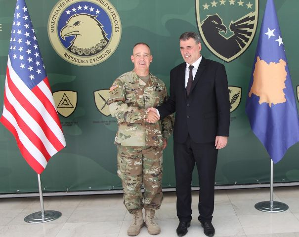 Ministri Haki Demolli priti gjeneralin amerikan Timothy Orr