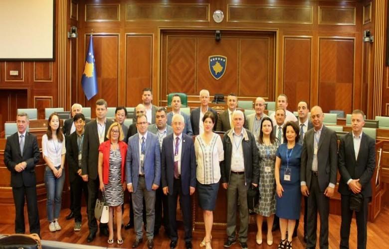 Ndërkombëtarët arrijnë në Kosovë, nesër vëzhgojnë procesin zgjedhor