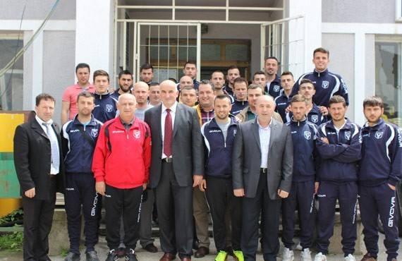Haliti uron lojtarët dhe udhëheqjen e KF Vllaznia për hyrje në Superligë