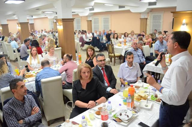 Vetëm me PDK-në mësimdhënësit gjilanas e të Kosovës u ndjenë me dinjitet
