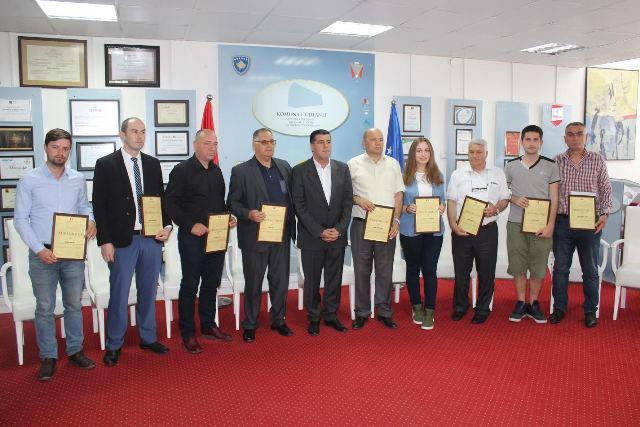 Haziri ndan mirënjohje për personalitetet e Gjilanit që kanë arritur suksese shkencore në nivel republikan, regjional dhe ndërkombëtar