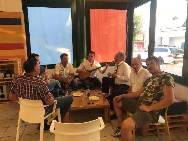 Në Olmi u organizua mbrëmje folklorike