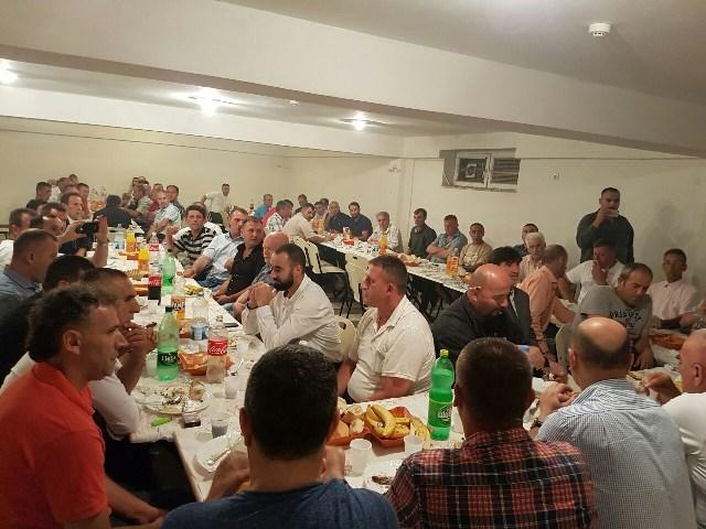 Këshilli I Bashkësisë Islame në Gjilan shtron iftar për shoqatat e dala nga Lufta e UÇK
