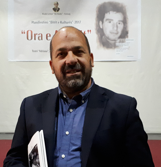 """Xhevat Latifi është fitues i çmimit """"Ora e Astritit"""" me poezinë 'Shkupi dhembja që s'po pranë'"""