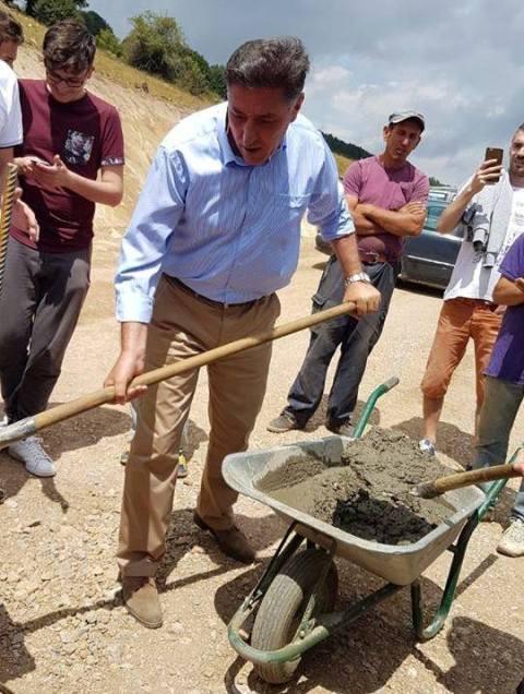 Kamenicë: Vëhet gurëthemeli për lapidarin e heronjëve të luftës në Kikë