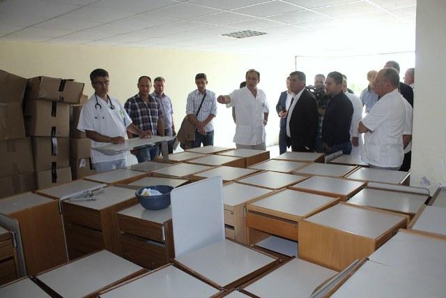 """""""Diaspora Hilf"""" nga Zvicra mbështetë Spitalin e Gjilanit me shtretër e pajisje tjera"""