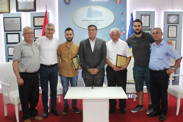 Gjilani nderon me mirënjohje katër delegatët 2 Korrikut 1990