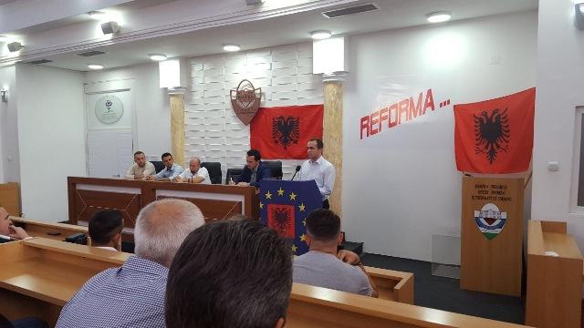 Iniciohet grupi për reforma brenda PDSH-së të Ragmi Mustafës