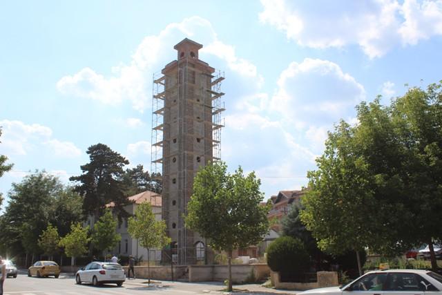 Rifillon faza e fundit e rregullimit të Sahat Kullës në Gjilan