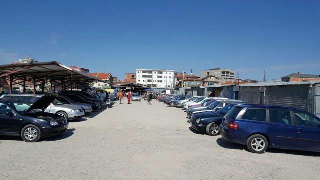Në Gjilan hapet tregu i ri i veturave
