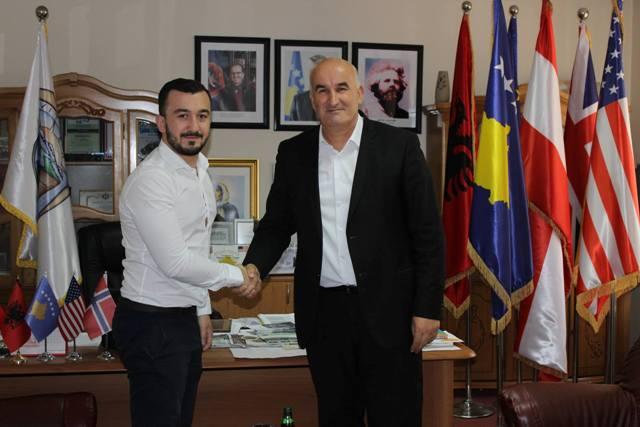 Haliti takon Leutrim Hebibin, i cili është pjesë e Kuvendit Vernier në Gjenevë të Zvicrës
