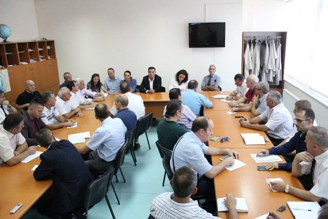 Haziri: Arsimi mbetet prioriteti i parë i qeverisjes