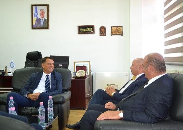 """Kryetari i dhomës së lartë të Parlamentit të Gjenevës qëndroi ne Universitetin """"Kadri Zeka"""""""