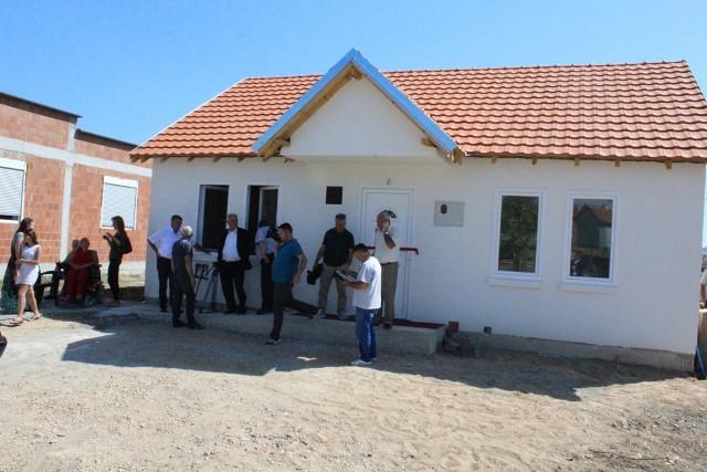 Gjilani inauguron shtëpinë për Lumnije Rullanin, nënë vetushqyese dhe me kufizime në lëvizje