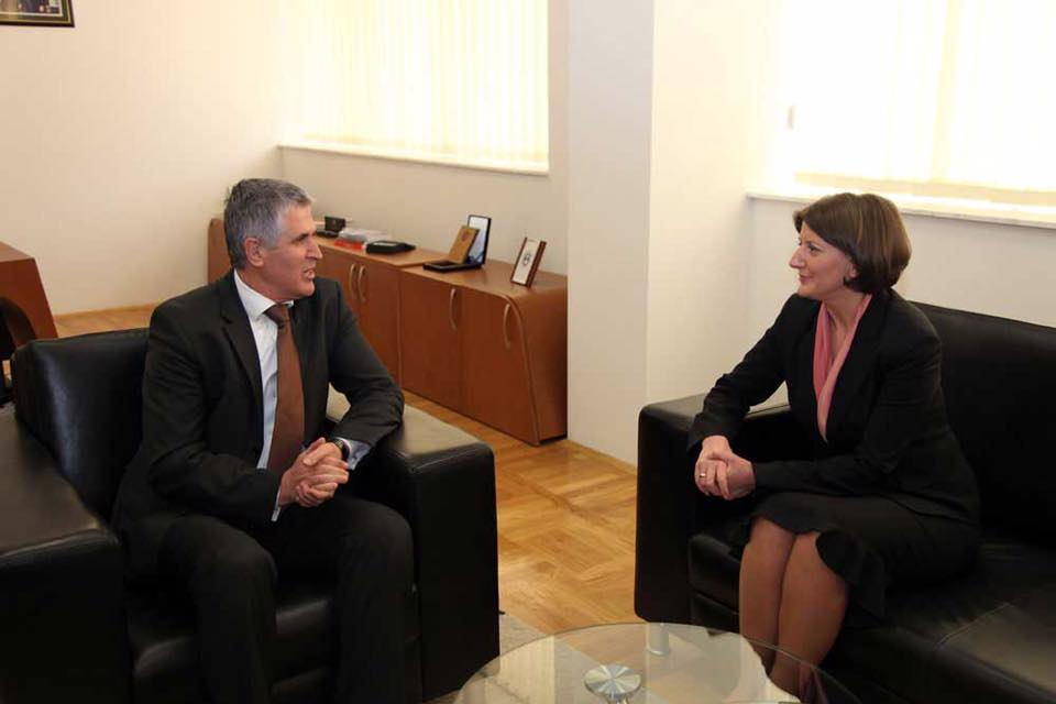 Ish-presidentja Jahjaga shprehë ngushëllime lidhur me vdekjen e ish-kryeministrit Rexhepi.