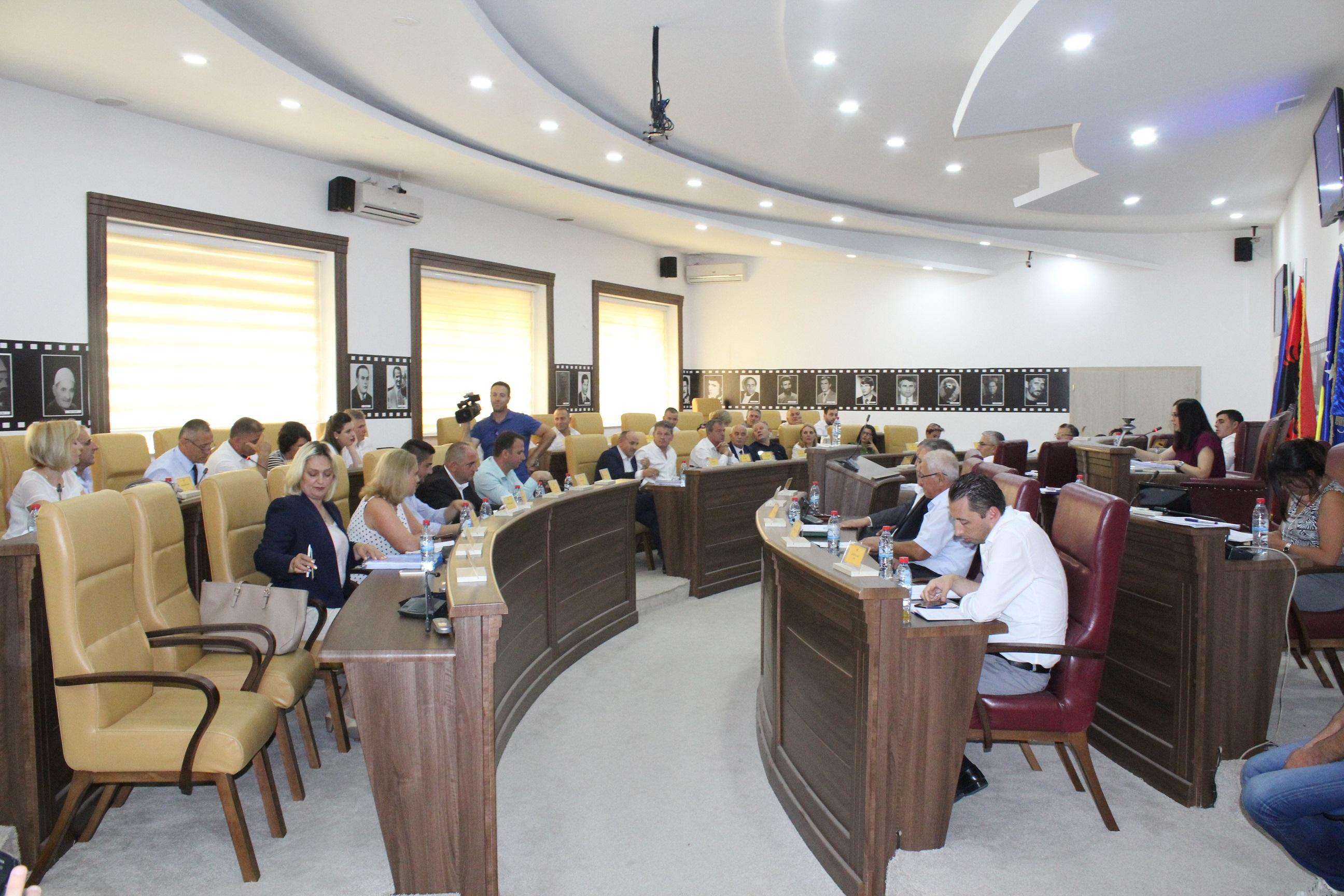 Kurteshi-Emini: Kjo qeverisje ka bërë punë shumë të mëdha edhe në këtë gjashtëmujor