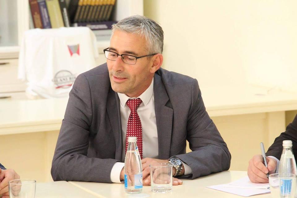 Kadriu: Taksa prej 10% për produktet me origjinë nga Serbia dhe Bosnja, masë mbrojtëse për prodhuesit vendor