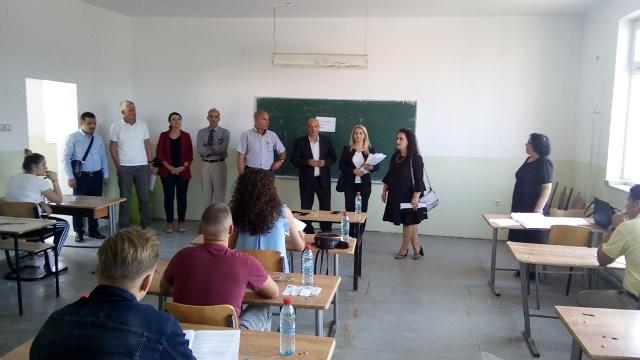 Testi i maturës në Gjilan ka nisur nën përgatitjet e larta