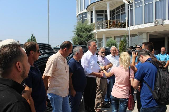 Gjilani shpërndau sistemin e ujitjes për 50 hektarë me vishnje