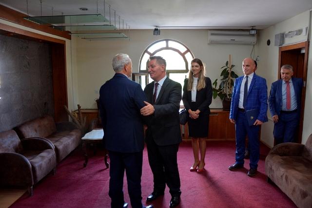 Ministri Pal Lekaj, zyrtarisht pranoi pozitën e ministrit nga ish-ministri Hanefi Muharremi