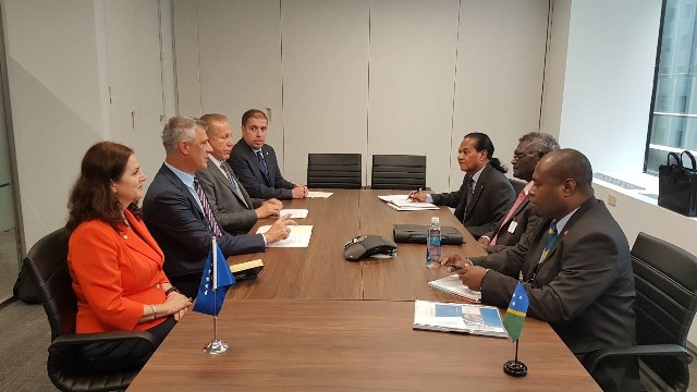 Presidenti Thaçi takoi në Nju Jork Kryeministrin e Ishujve Solomon, Manasseh Sogavare