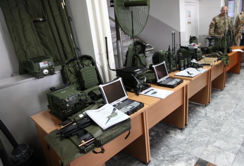 Ambasada amerikane i dhuroi FSK-së pajisje në vlerë prej 9.2 milionë dollarë