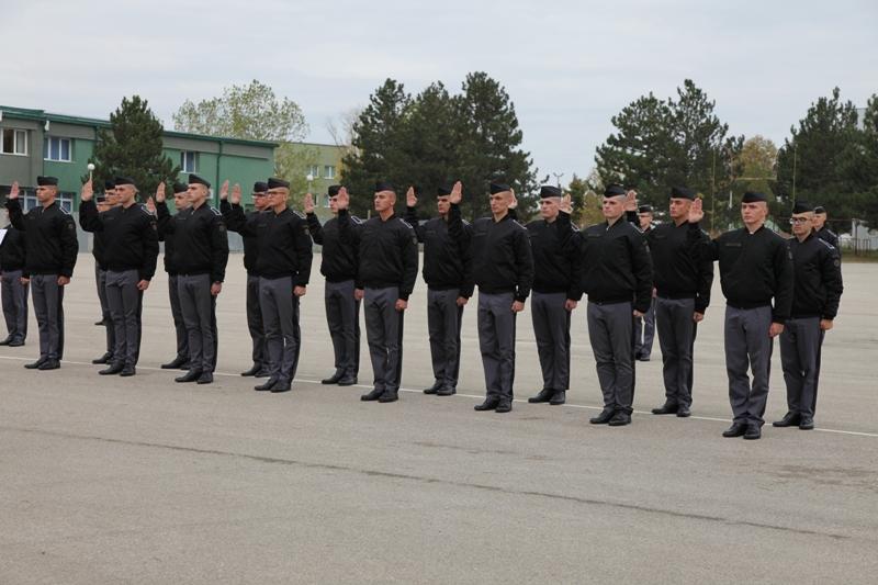 Rekrutët e rinj të FSK-së betohen për shërbim ndaj atdheut