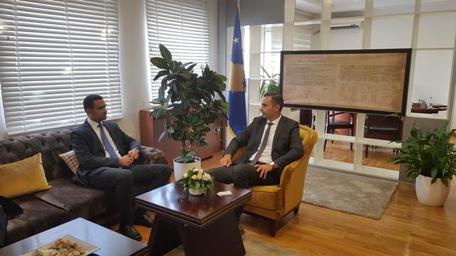 Ministri Lluka takon Drejtorin Ekzekutiv të OEAK, Arian Zeka, diskutohen zhvillimet ekonomike në vend