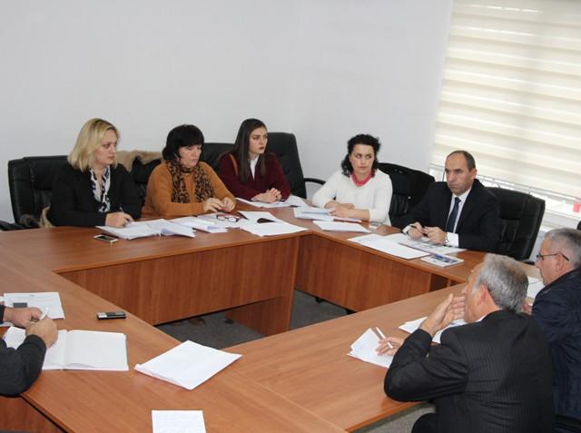 Komiteti i Arsimit në Gjilan kërkon anulimin e ekskurzioneve jashtë vendit