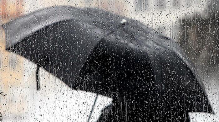 Mot i ndryshueshëm përcjellë me riga shiu