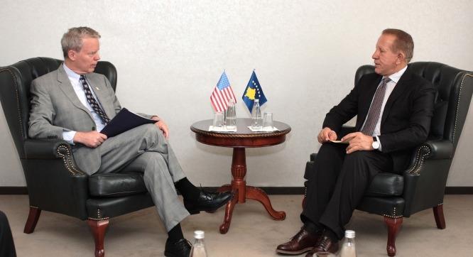 Zëvendëskryeministri Pacolli takon ambasadorin Delawie