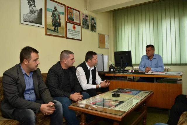 Pajaziti i PDK-së vizitë në Shoqatën e Invalidëve të Luftës së UÇK-së