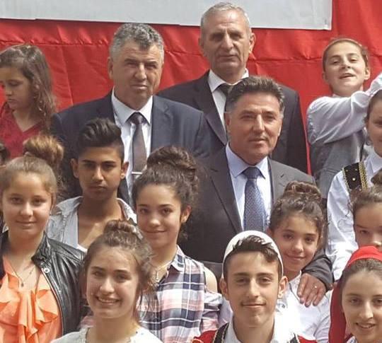 Sinani: Urime viti i ri shkollor 2017-2018