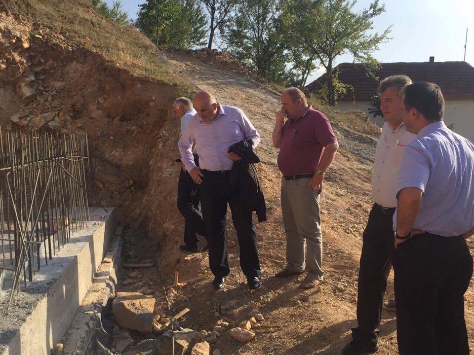 Në Stubëll të Eperme vazhdojnë punimet në ndërtimin e rrjetit të ujësjellësit