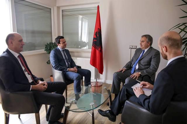 Vetëvendosje: Takim me ambasadorin italian në Kosovë, z. Piero Cristoforo Sardi
