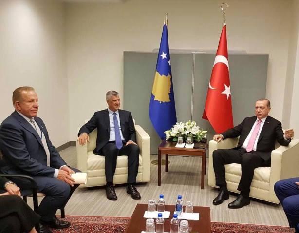Thaçi e Pacolli takojnë Erdoganin