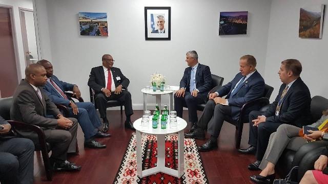 Presidenti Thaçi takoi Presidentin e Sao Tome dhe Principe, Evaristo do Espírito Santo Carvalho