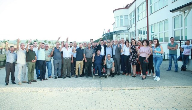 LDK: Velekinca e Mulla Idriz Gjilanit falënderon Lutfi Hazirin për realizimin e projekteve të mëdha komunitare