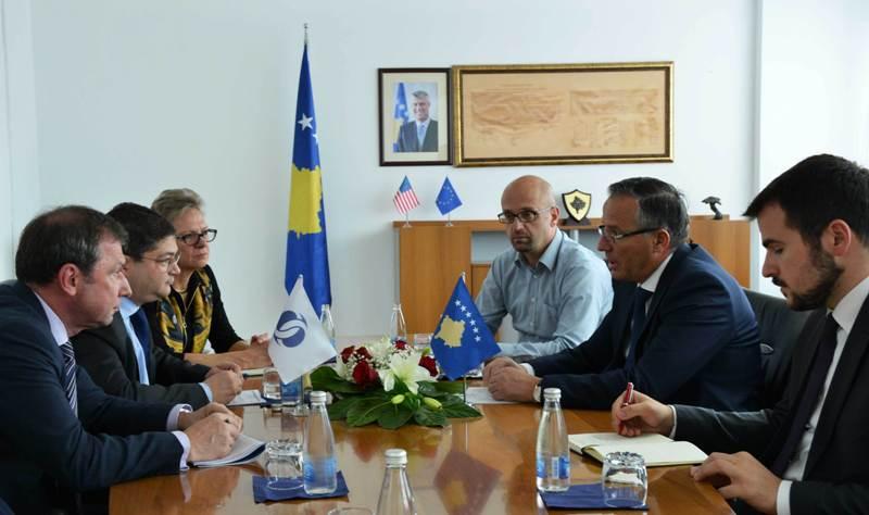 Ministri i Financave Bedri Hamza priti në takim zëvendëspresidentin e BERZH-it Pierre Heilbronn