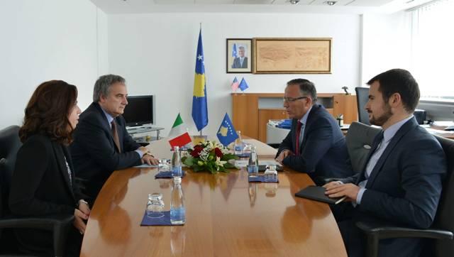 Ministri Hamza priti në takim ambasadorin e Italisë në Kosovë Piero Cristoforo Sardi