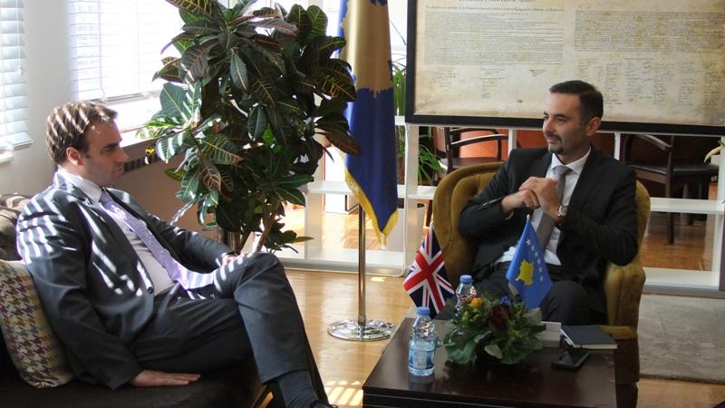 Britania e Madhe rikonfirmon mbështetjen në zhvillimin ekonomik të Kosovës